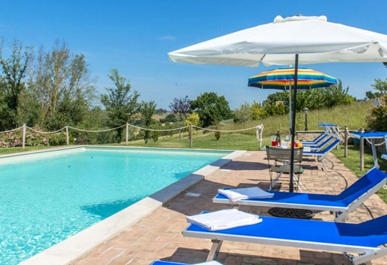 Spacious Holiday Home in Umbria With Private Pool, Marsciano, Piscina