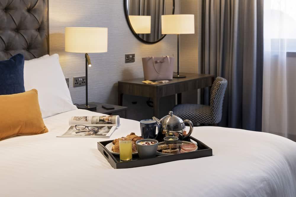 Standardzimmer, 1 Queen-Bett, barrierefrei (Roll In Shwr) - Essbereich im Zimmer