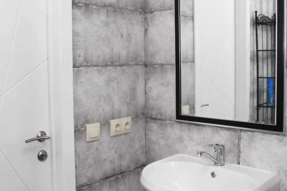 Κρεβάτι Ξενώνα (Bed in 10-bed mixed dorm - Taxi) - Μπάνιο