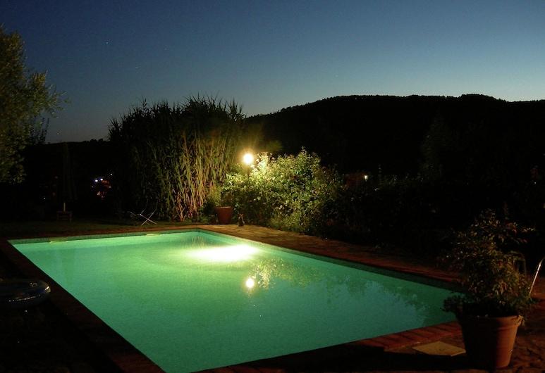 Modern Villa in Subbiano Italy With Swimming Pool, Subbiano, Piscina