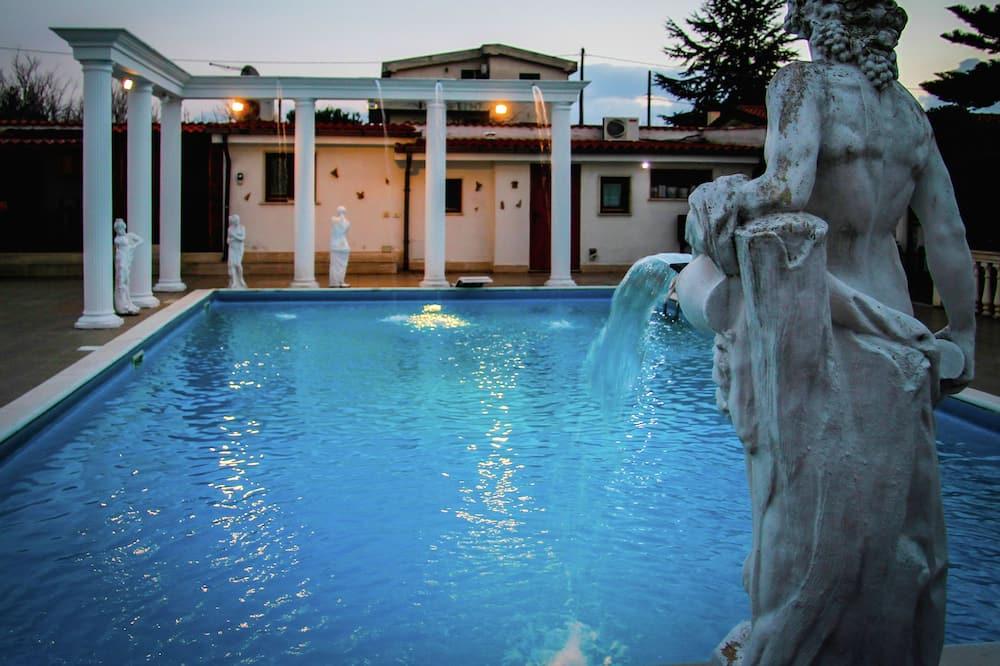 Villa - Exterior