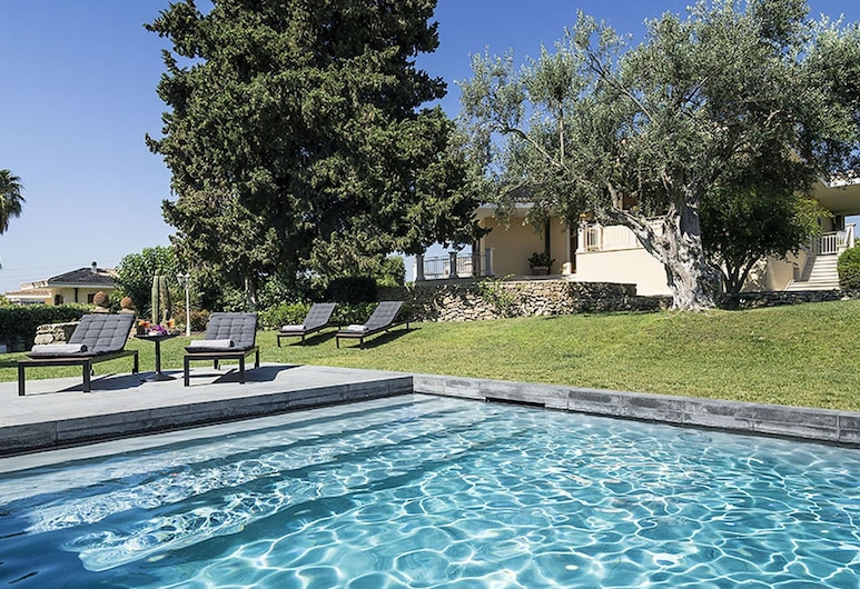 Lovely Luxury Villa With Private Pool Just a few km From the Center of Syracuse, Syracuse