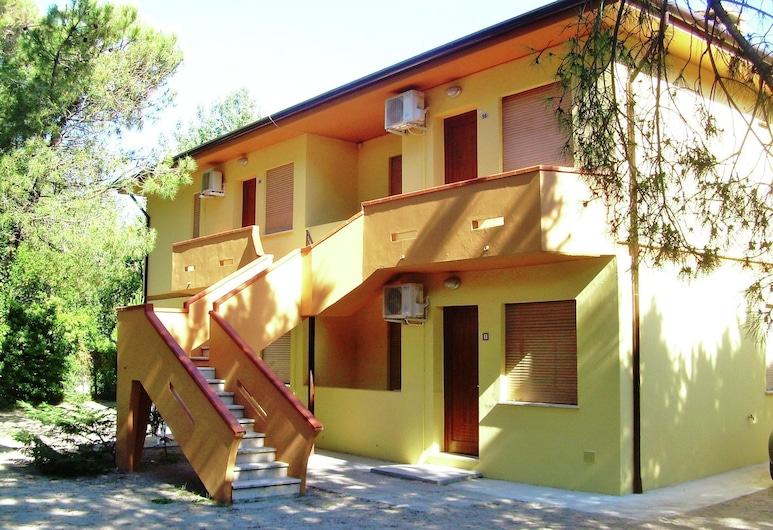 Sundrenched Holiday House,250 m far From the Beach in Rosolina Mare, Near Venice, Rosolina