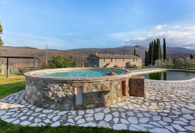 Tranquil Holiday Home in Chianni With Swimming Pool, Chianni