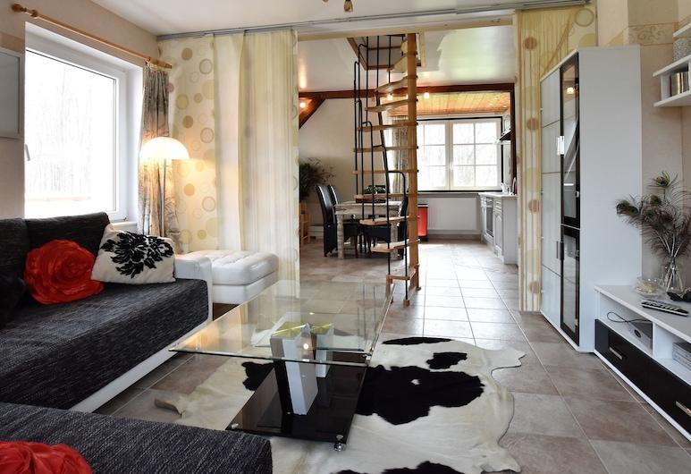 Quaint Apartment in Kastahn With Terrace, Upahl, Apartmán, Obývačka