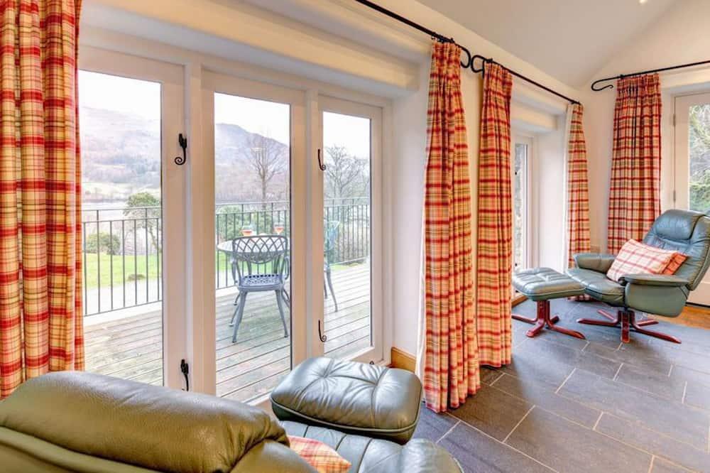 House - Living Room