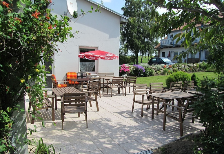 Spacious Apartment With Garden in Rerik Germany, 雷里克