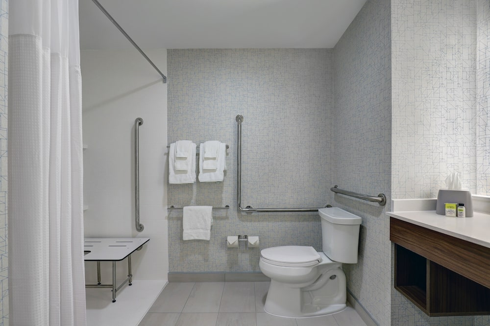 Room, 2 Queen Beds, Accessible, Non Smoking (Roll-In Shower) - Bathroom