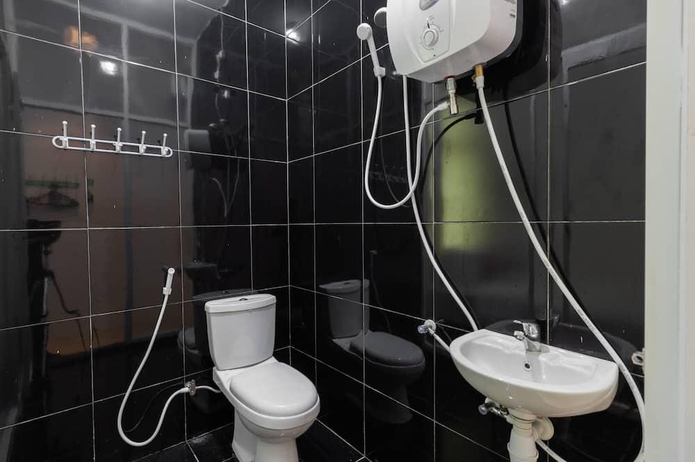 Dvojlôžková izba (Reddoorz) - Kúpeľňa