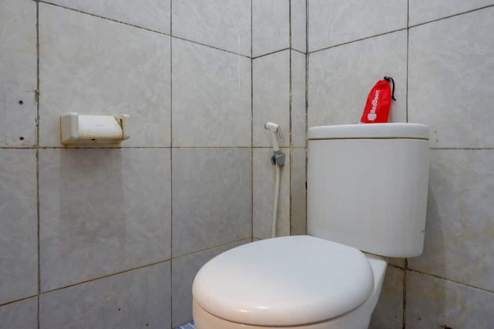 Doppelzimmer (Reddoorz) - Badezimmer