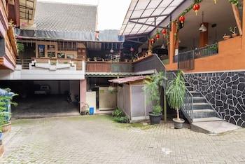 Hình ảnh RedDoorz Plus near Balai Kota Batu 2 tại Malang