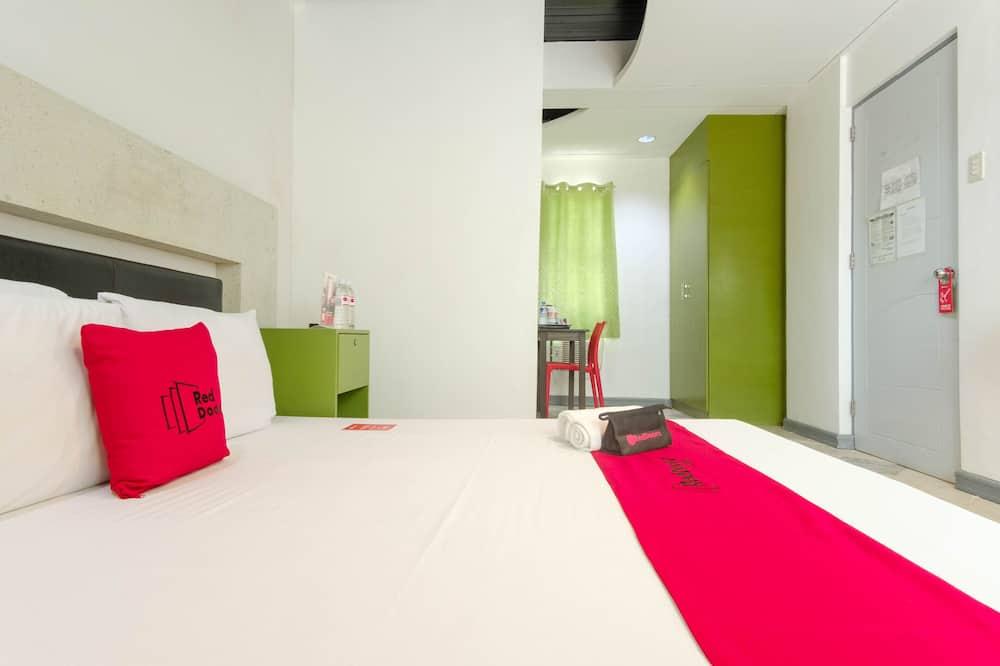 Habitación doble Deluxe (Reddoorz) - Habitación