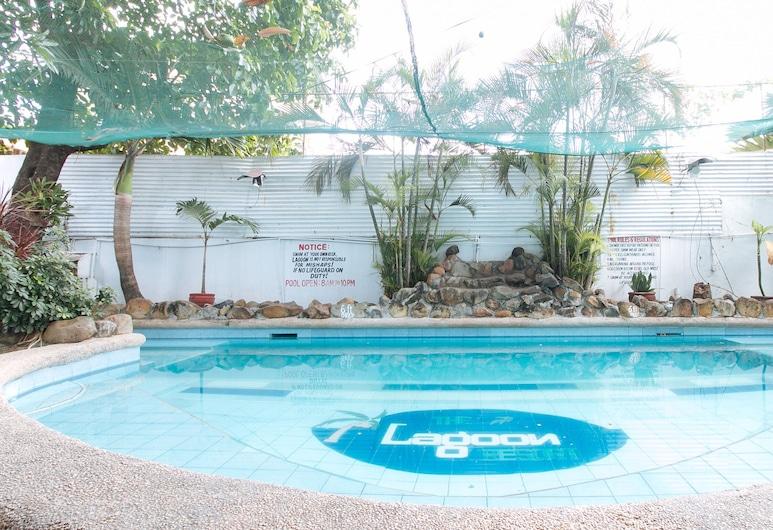 RedDoorz Plus @ Lagoon Beach Resort Zambales, Ολονγκάπο