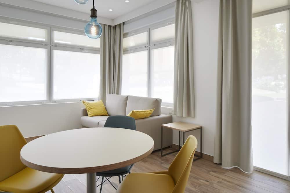 Apartment, 1 Bedroom (Ground floor) - Living Area