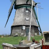 Windmill Holiday Home in Farve Garden and Panoramic Views, Wangels