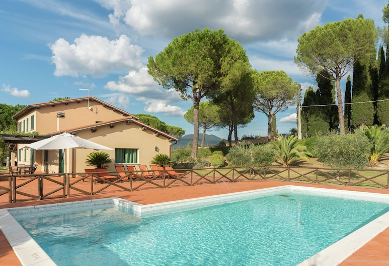 Attractive and Spacious Independent Villa With Private Swimming Pool, Magliano Sabina