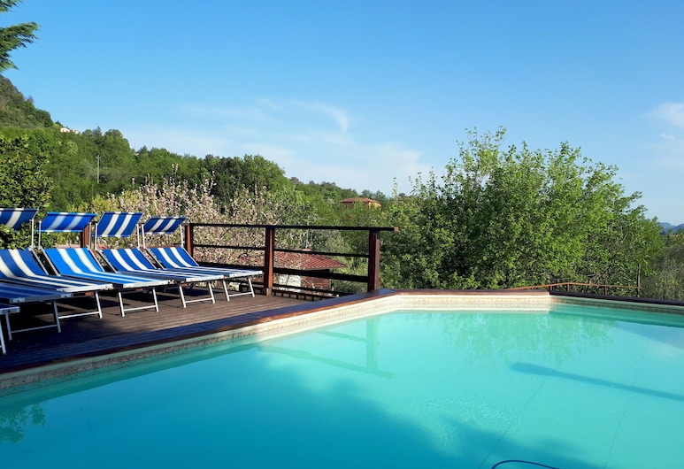 Cushy Holiday Home With Swimming Pool, Terrace, Garden, BBQ, Bolano, Piscina