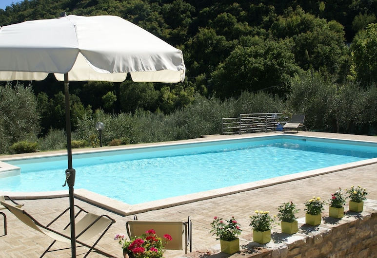 Magnificent Villa in Umbertide With Private Pool, Umbertide