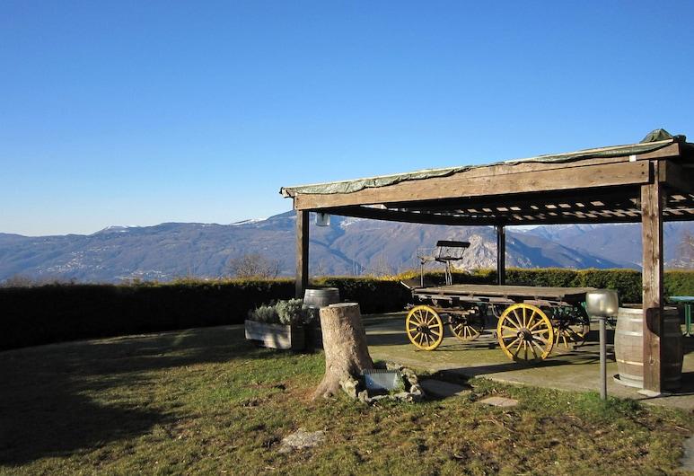 Peaceful Farmhouse in Verbania With Garden, Verbania, Garten