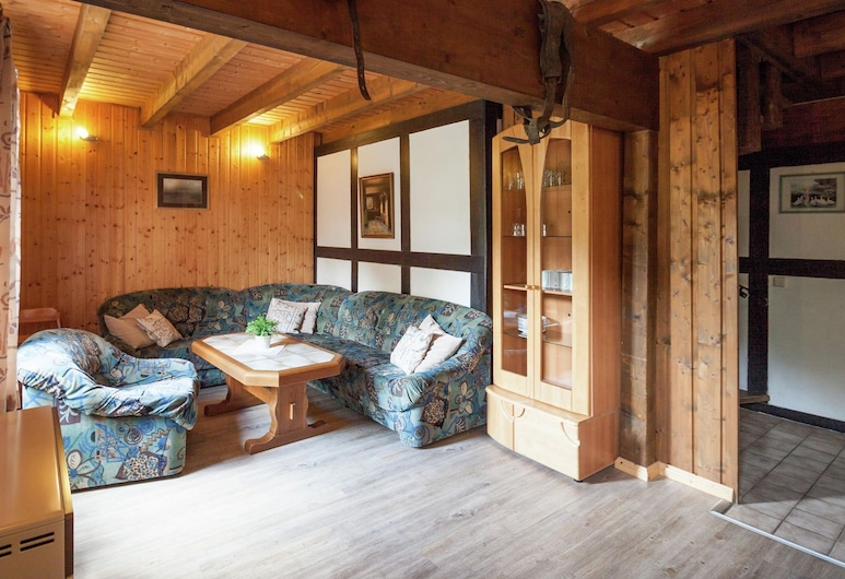 Lovely Holiday Home in Vellinghausen Near Ski Area, Meschede, Hus, Stue