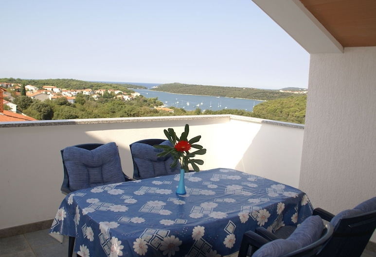 Relaxing Apartment in Banjole With Shared Pool and Only 2 km From the sea, Medulin, Διαμέρισμα, Μπαλκόνι