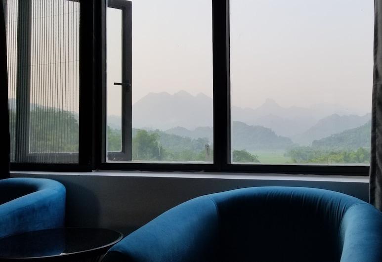 A Sim Ba Be Lake, Ba Be, Deluxe Double Room, Pemandangan Gunung