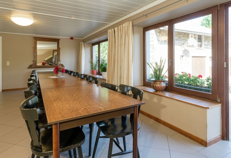 Modern Cottage With Private Garden in Waimes, فايمس