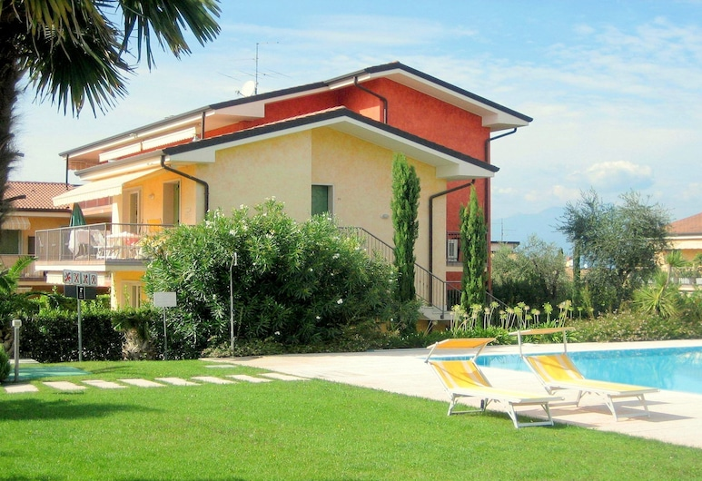 Cosy Holiday Home in Lazise With Swimming Pool, Lazise