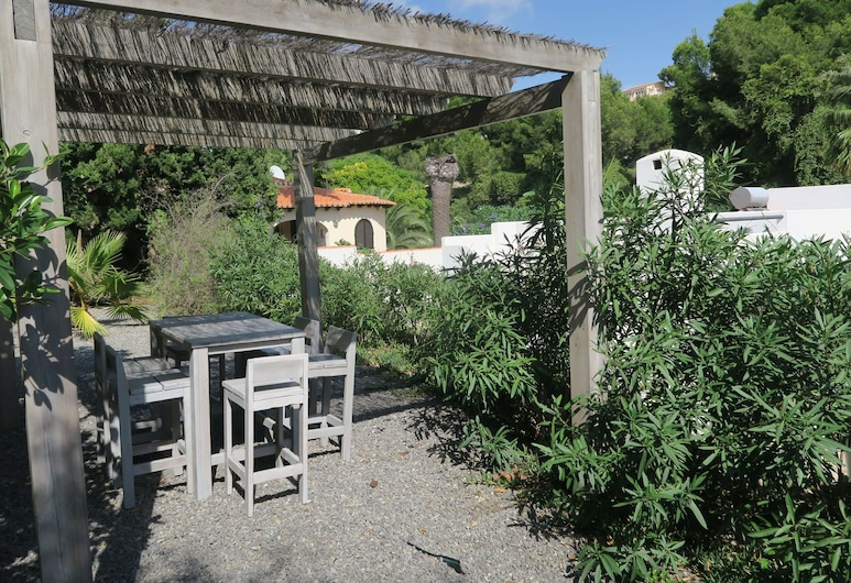 Modern Villa in the Typical Ibizan-style Furnishings and a Private Pool, Benissa, Garden