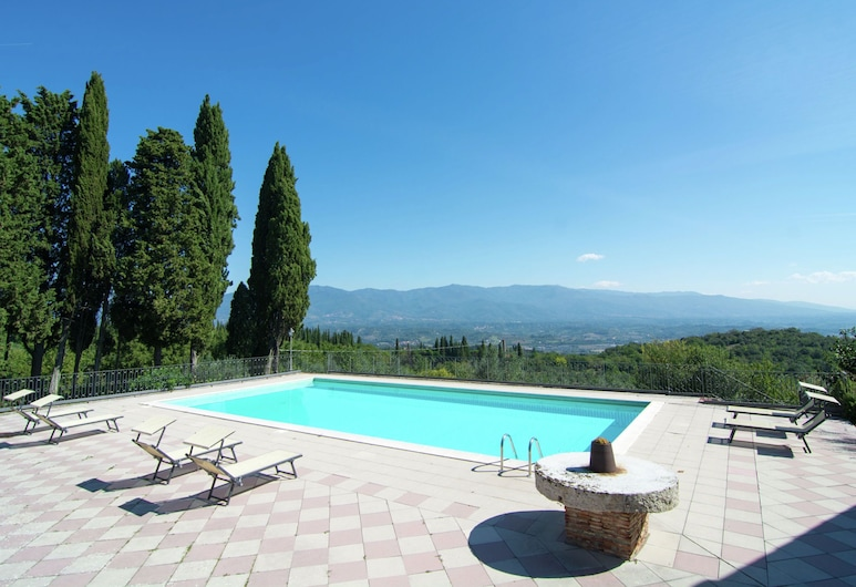 Lovely Estate not far From Florence, on a Hill With Olives Trees and Cypresses, Figline e Incisa Valdarno, Zwembad