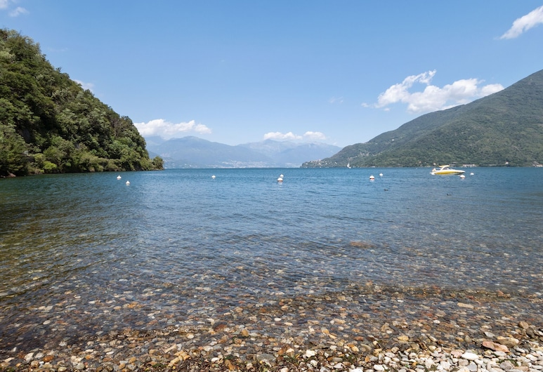 Peacefully Situated Apartment With Private Beach, Cannobio, Exterior