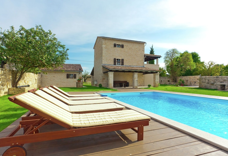 Spacious Villa With Private Swimming Pool in Kanfanar, Канфанар, Басейн