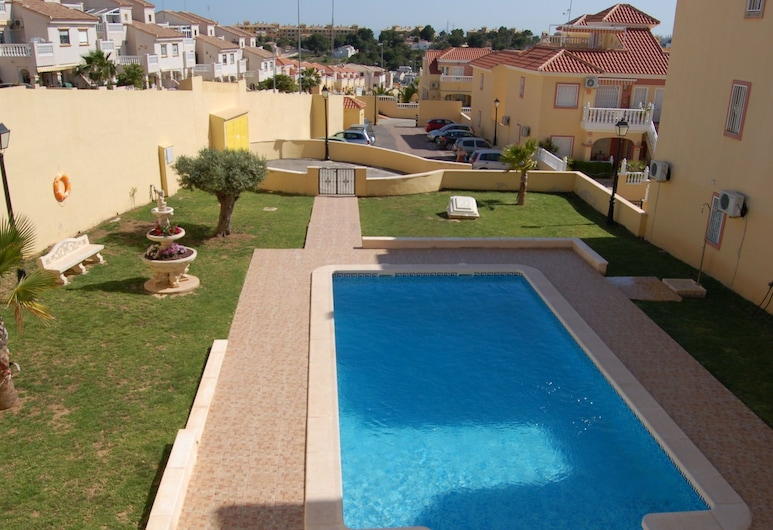Cozy Holiday Home in Valencia With Swimming Pool, Orihuela