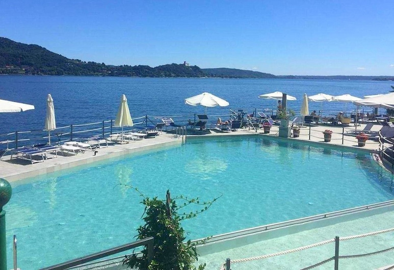 Brand new and Elegant Residence on Lake Maggiore, Meina, Piscina