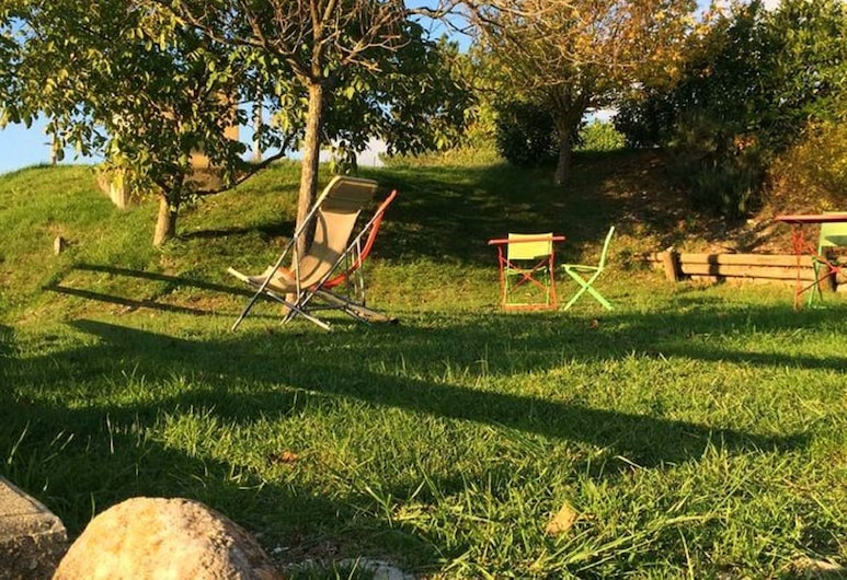 Beautiful Holiday Home in Bourdeaux With Hill View, Bourdeaux, Garden