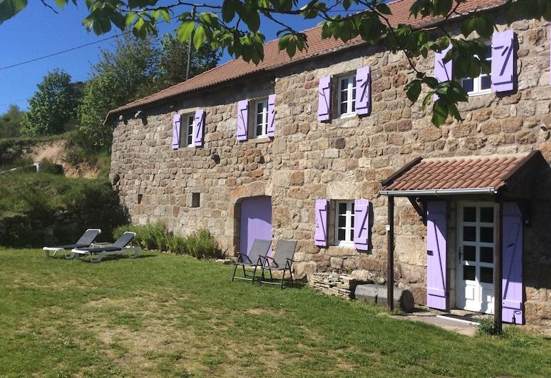 Charming Farmhouse in Cros-de-géorand With Swimming Pool, Cros-de-Géorand