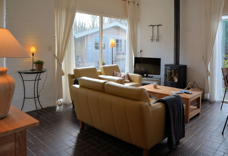 Lovely Family House on the Edge of a Park, Near Lake, sea and Amenities, Noordwijk, Bungalow, Wohnzimmer
