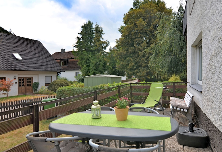 Cozy Apartment in Marsberg With Lawn, Marsberg, Apartment, Guest Room