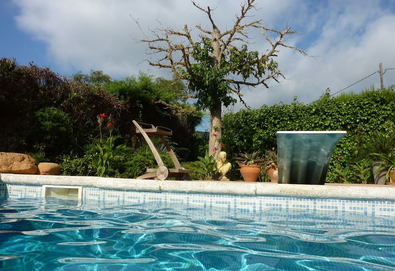 Cozily Furnished Holiday Home in Catalonia With Barbecue, Sant Feliu de Guixols, Sundlaug