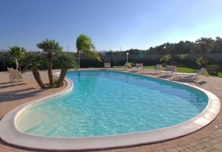 Stunning Holiday Home in Melissano With Swimming Pool, Melissano, Kolam