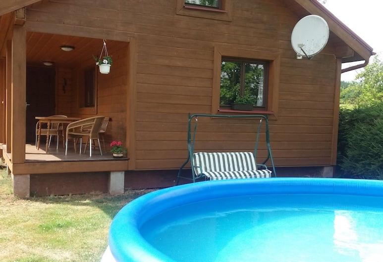Beautiful Holiday Home With the Garden Pool at the Edge of the Riesengebirge, Vlcice, Bassein