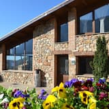 Fantastic Modern Holiday House in the Mountains With Swimming Pool for 8 Persons