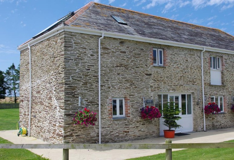Former Farmhouse in Beautiful Landscape With two En-suite Bathrooms, Wadebridge