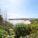 Modern Apartment in Tenby With Swimming Pool