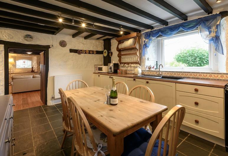 Charming Holiday Home in Aberdaron With Private Garden, Pwllheli, Restauracje