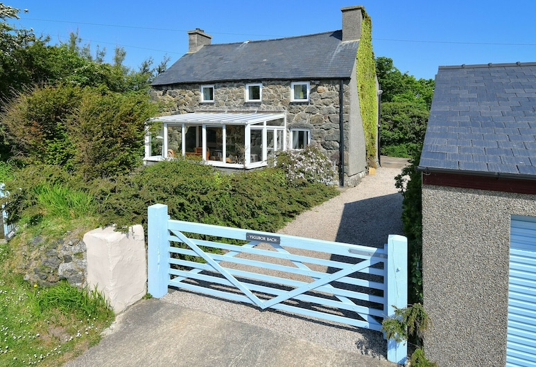 Charming Holiday Home in Aberdaron With Private Garden, Pwllheli