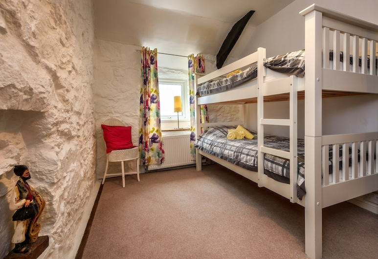 Charming Holiday Home in Aberdaron With Private Garden, Pwllheli, Quarto