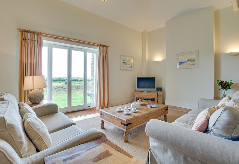 Lovely Holiday Home in Edmonton With Garden, Wadebridge, 單棟房屋, 客廳