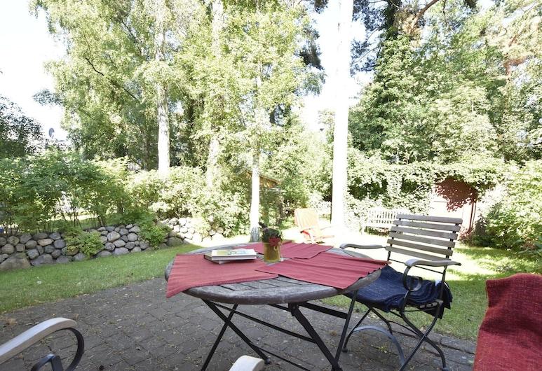 Cozy Holiday Home in Dierhagen Strand With Garden, 迪尔哈根 , 花园