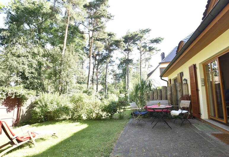 Cozy Holiday Home in Dierhagen Strand With Garden, Ostseebad Dierhagen